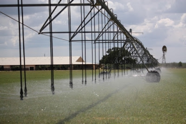 Seven Centre Pivot Myths Debunked by Senninger Irrigation
